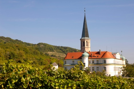 The beautiful Church in Gumpoldskirchen with Johanneshof Reinisch vineyards all around.