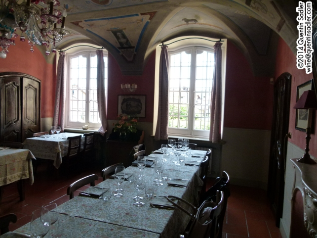 The beautiful dining room in the Cantine del Gavi.