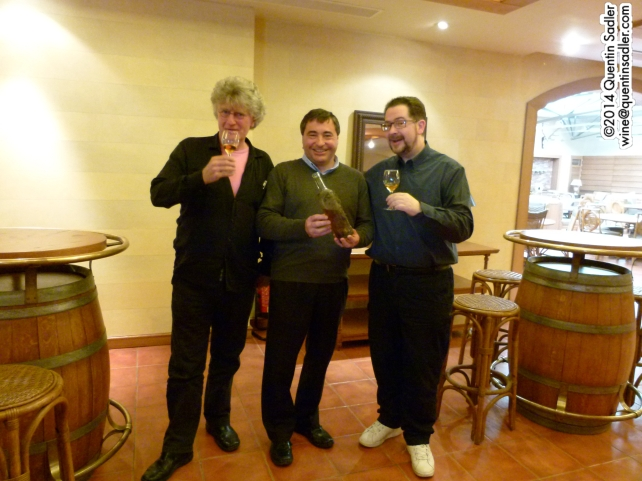 Stephen Quinn, James Palgé and me drinking the 1942 Ksara Vin d'Or.