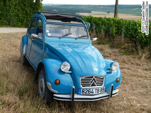I toured the vineyards of Chablis by 2CV!