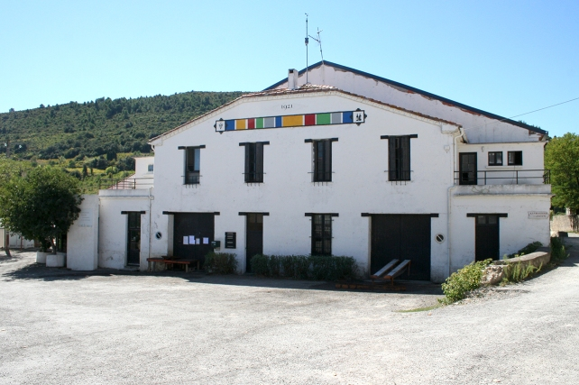 The winery of Cave d'Embrès et Castelmaure.