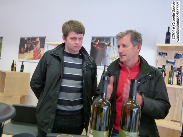 Zmago Petrič, on the right, explaining his wines.