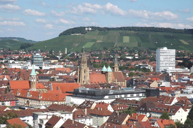 Heilbronn_Innenstadt_u_Wartberg_20050918